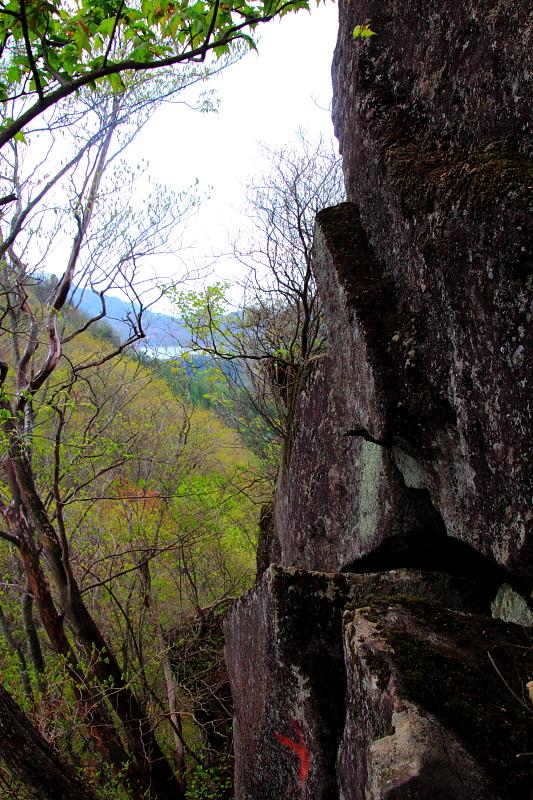 巨大な岩場