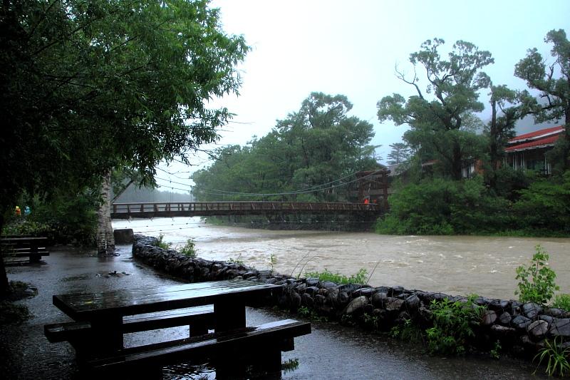 氾濫寸前の梓川
