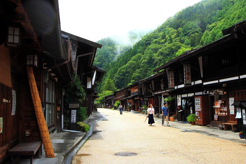 山間の宿場