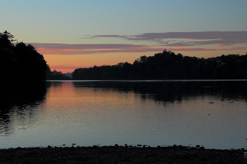 湯の湖の夜明け